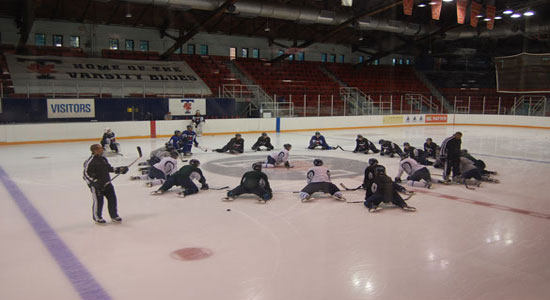 The University of Toronto Varsity Blues men's hockey team is ready to contend in the OUA Eastern Conference