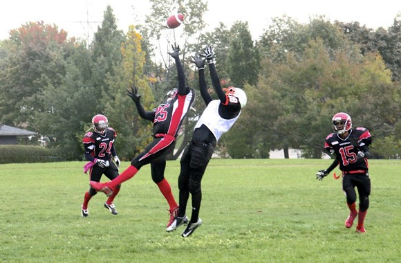 Bears receiver Max Gargaro leaps for a catch over the Thistletown defence