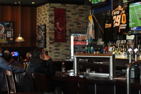Local Scarborough bars like Shoeless Joes expect a decrease in business due to the NHL lockout