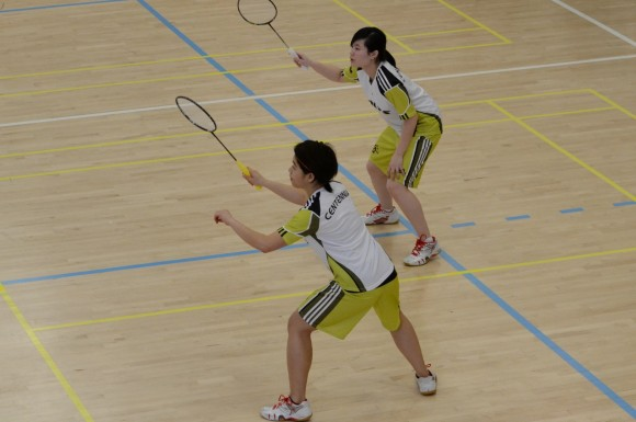 Sarah Nualan and Jia Yi Feng in action, during their final round robin game.