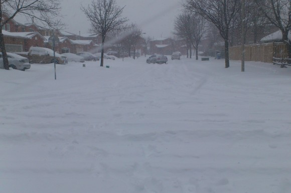 Snow-covered street in Brampton Friday Feb.8, 2013 (Robin Dhanju/Toronto Observer)