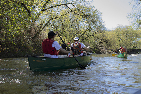 Paddlers of all ages tackled the twists, turns and even the miniature rapids of the Don. (Christian Boyer/Toronto Observer)