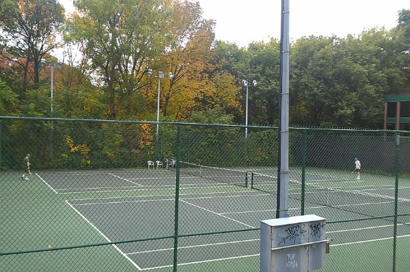Howard Park tennis club is a hidden High Park gem | The Toronto Observer
