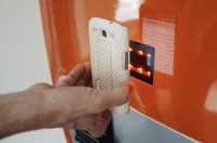 Anthony Di Iorio demonstrates how to use Toronto's first bitcoin ATM