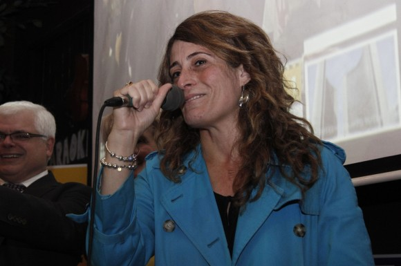 Ward 29 councillor Mary Fragedakis speaks to supporters after winning re-election tonight.