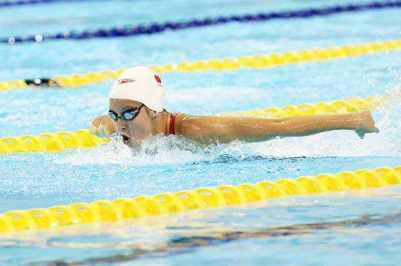 Sydney Pickrem swims the butterfly leg of the 400m IM on Thursday night.