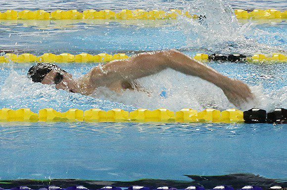 Ryan Cochrane took gold again in the men's 400 metre freestyle on Friday night at the National Swim Trials.