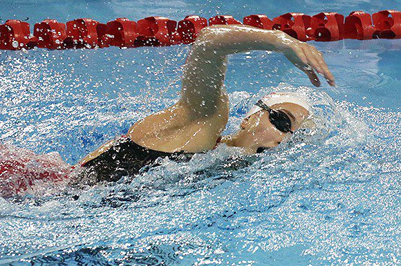 Emily Overholt overcame a slow morning swim to take the gold medal on Friday night in 400 freestyle at the National trials.