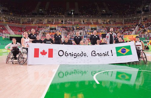 Canada's women's wheelchair basketball team says thank you to the Brazilian fans in Rio after its fifth place finish in the 2016 Paralympics